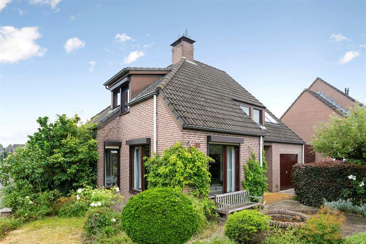 Arnold van Heumenstraat 12