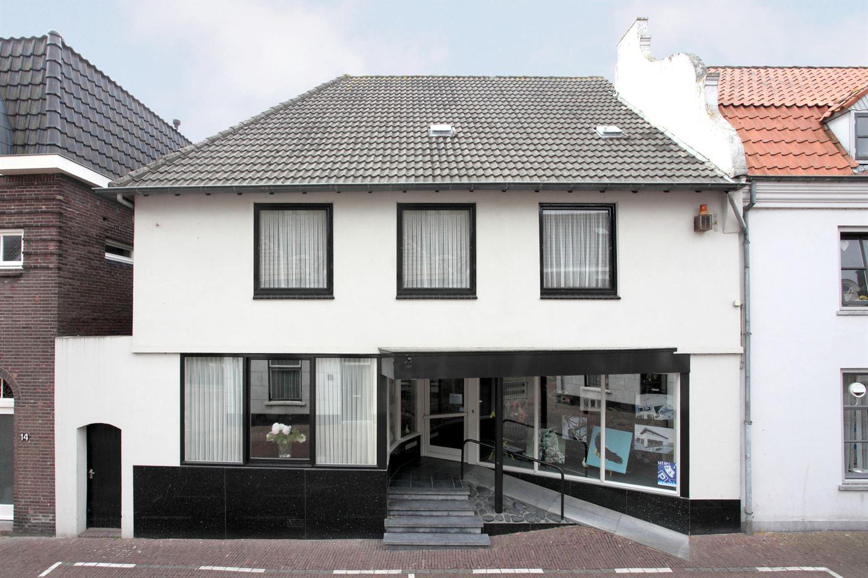 Bekijk foto 2 van Maasstraat 12