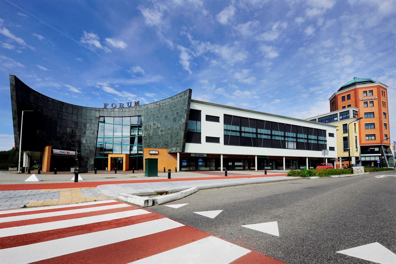 Bekijk foto 1 van Stationsplein 71