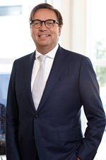 P.J. (Peter) van Nederpelt MRICS RT  (Directeur)