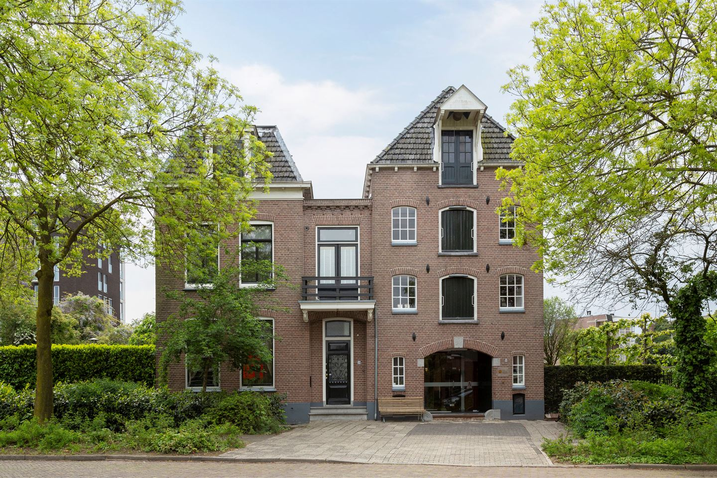 View photo 1 of Sluisstraat 8 -10