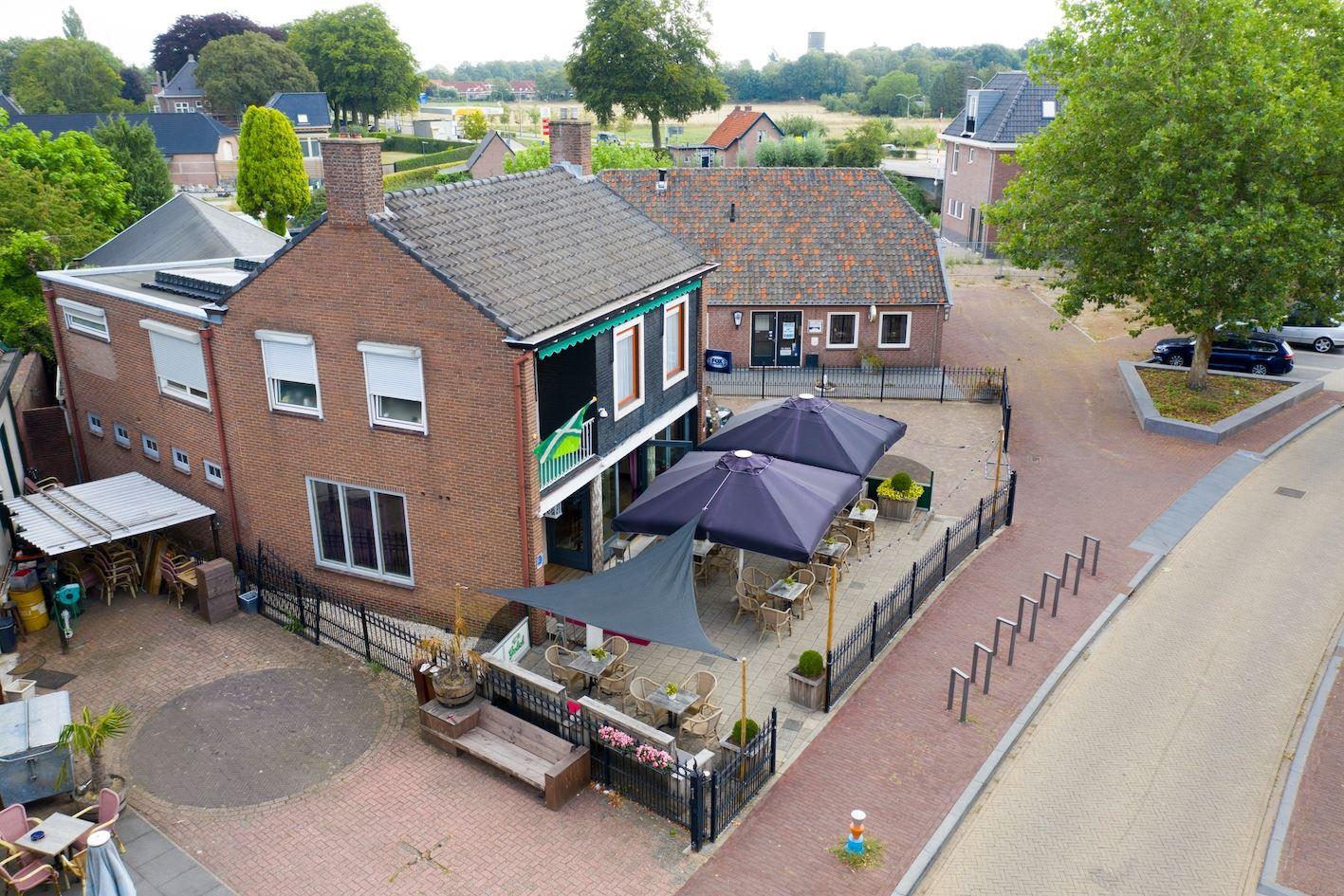 Bekijk foto 2 van F B Deurvorststraat 6 a