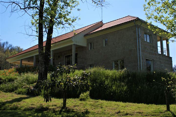 Kleinschalig vakantiepark + privé- woonhuis