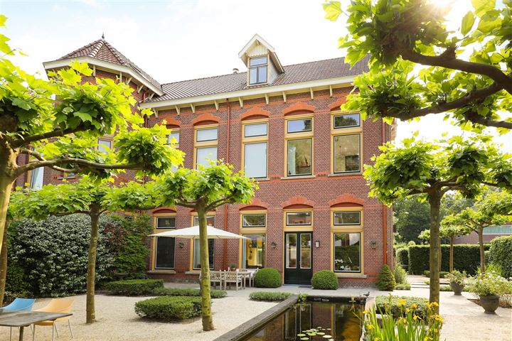 Koningin Beatrixplantsoen 16