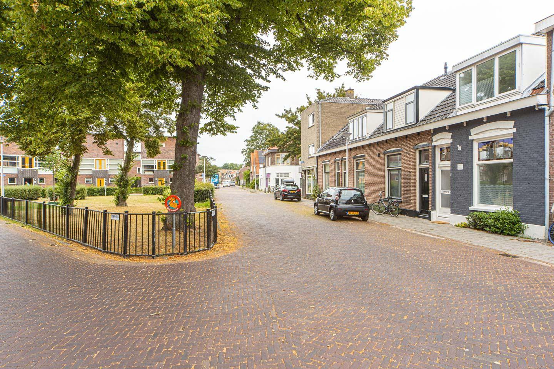 Bekijk foto 2 van Sint Josephplein 8