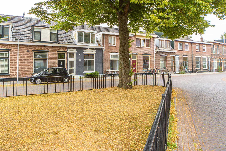 Bekijk foto 3 van Sint Josephplein 8