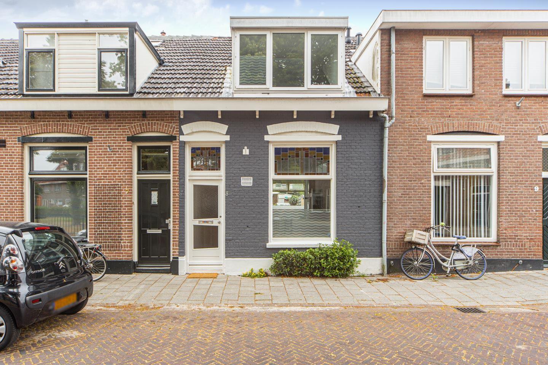 Bekijk foto 1 van Sint Josephplein 8