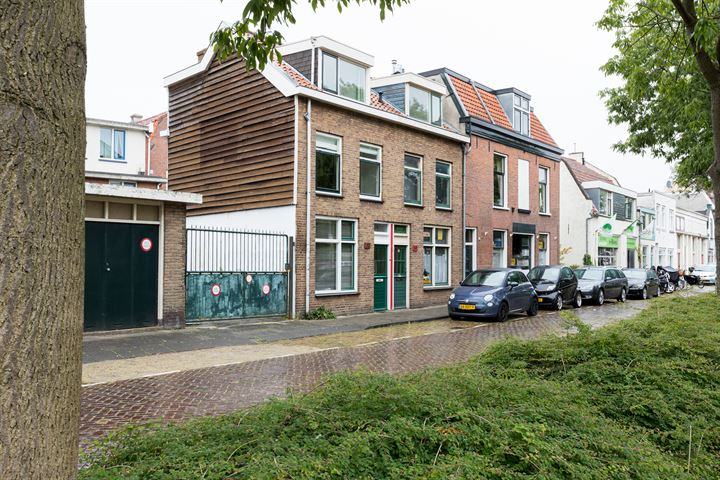 Papentorenvest 32 A rood