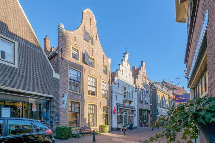 Ridderstraat 3 *