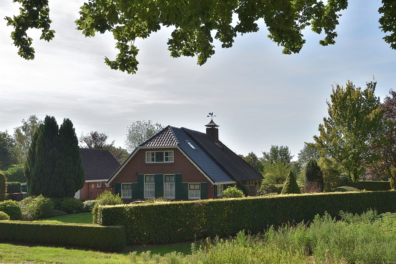 View photo 1 of Orvelterstraat 9