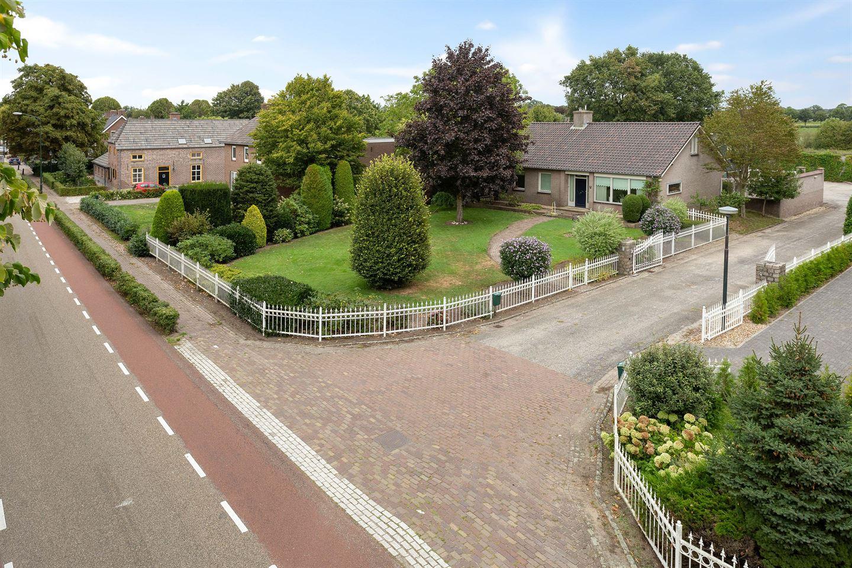 Bekijk foto 2 van Monseigneur Borretstraat 49