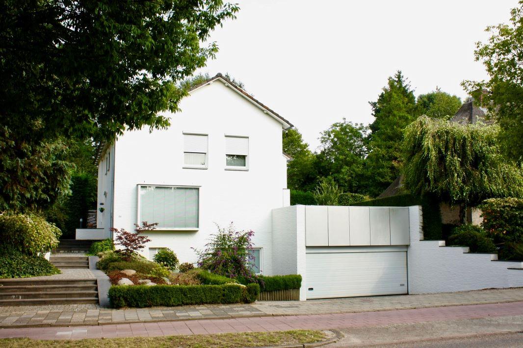 View photo 1 of Leyenbroekerweg 86