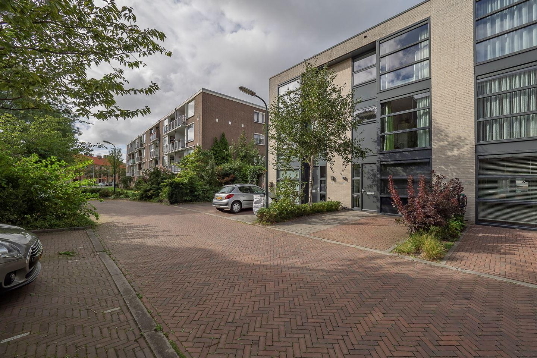 Bekijk foto 2 van Pieter de Voisstraat 45