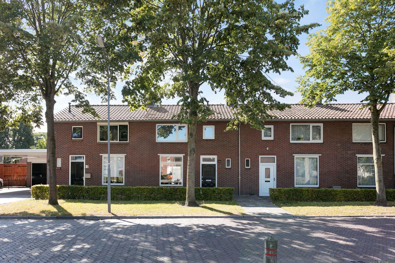 Bekijk foto 1 van Lucia Eijckenstraat 15
