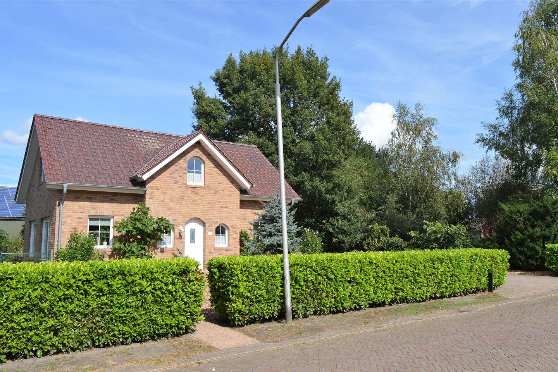 Bekijk foto 2 van De Weerdstraat 7