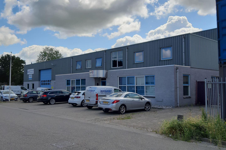 Bekijk foto 3 van Industriepark 10