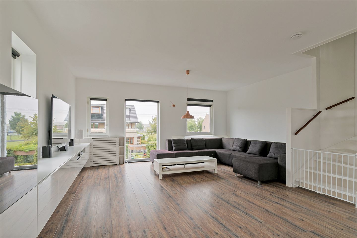 View photo 2 of Max Heymansstraat 47