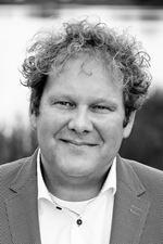 M.R. van der  Dong (Vastgoedadviseur)