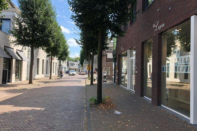 Bekijk foto 3 van Stationsstraat 1