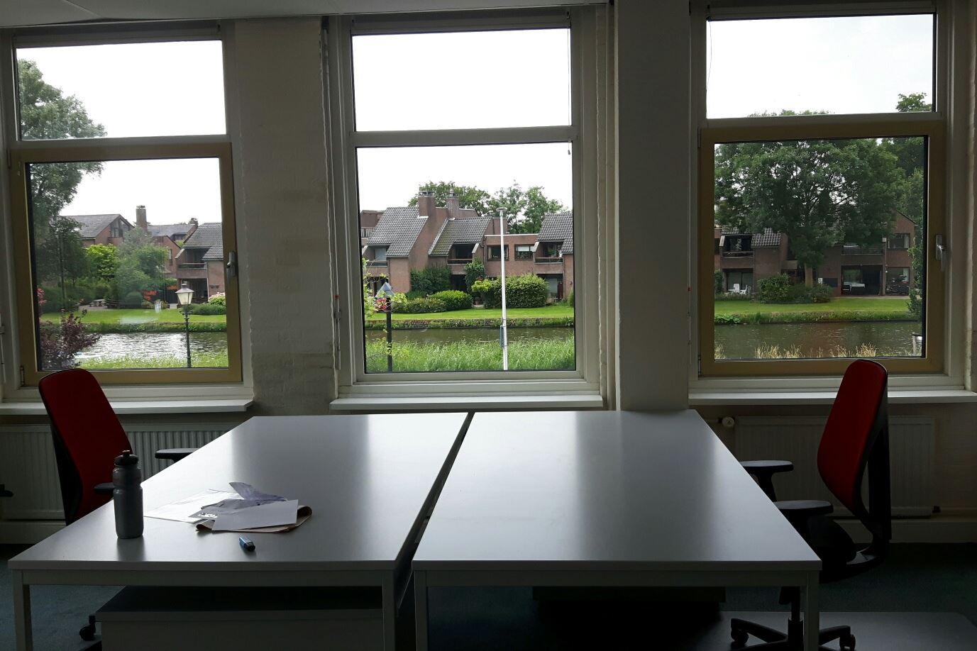 Bekijk foto 2 van Van der Valk Boumanweg 178 -180