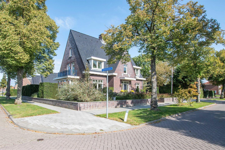View photo 3 of Ooststraat 7