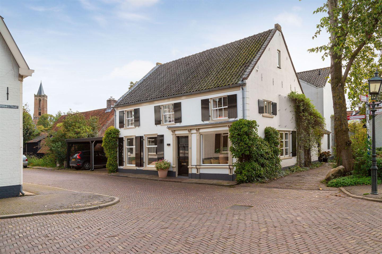 View photo 2 of Burgemeester van den Boschstraat 66