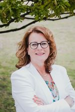 Anke van den Berg - Bakker, Verkoopstyliste (Assistent-makelaar)