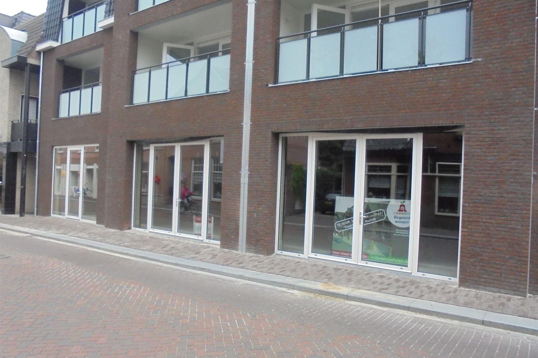 Bekijk foto 2 van Burgemeester Wijnenstraat 8