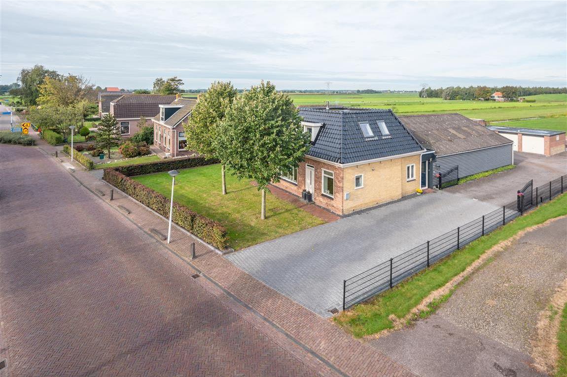 Bekijk foto 1 van Jetze Veldstraweg 52