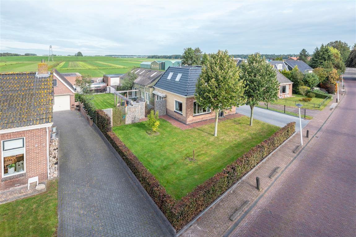 Bekijk foto 2 van Jetze Veldstraweg 52