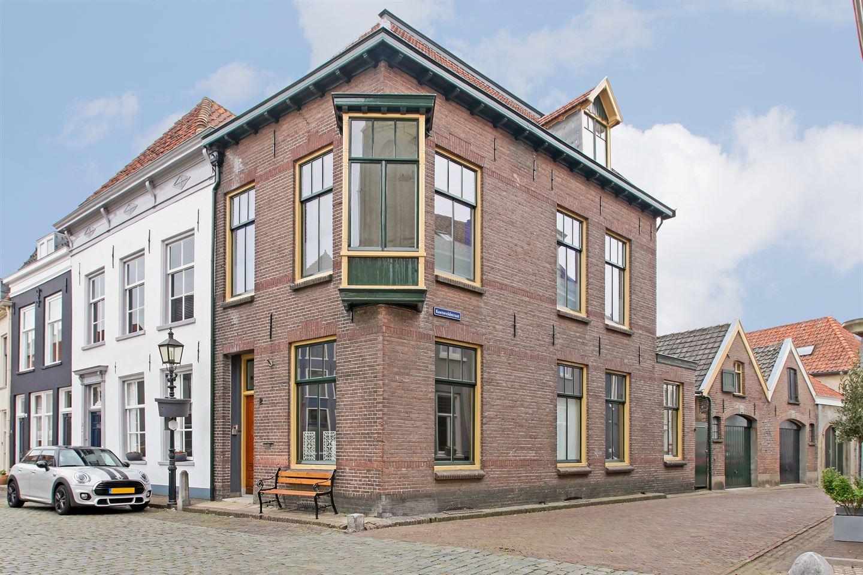 Bekijk foto 2 van Veerpoortstraat 2