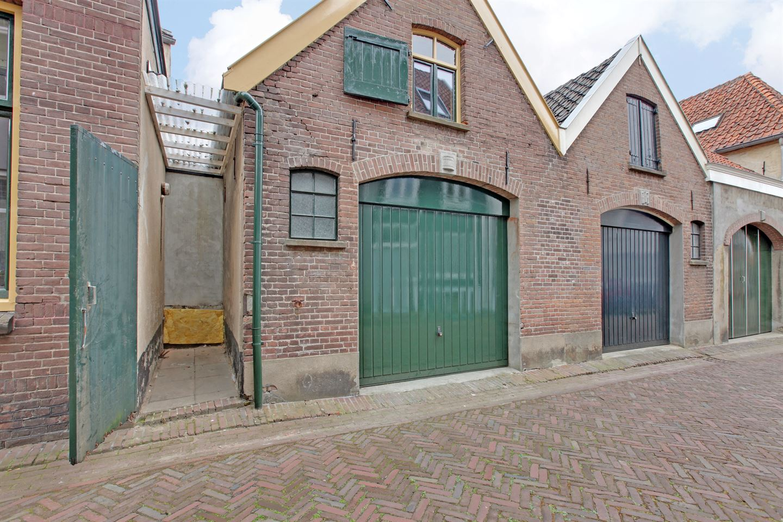 Bekijk foto 3 van Veerpoortstraat 2