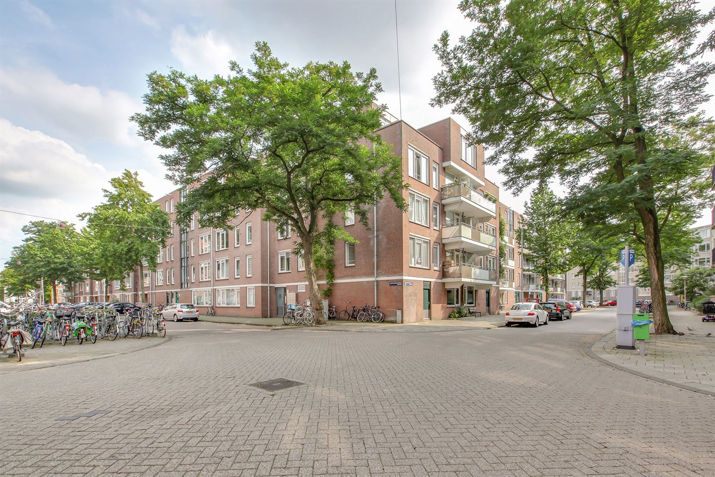 View photo 1 of Nova Zemblastraat 437