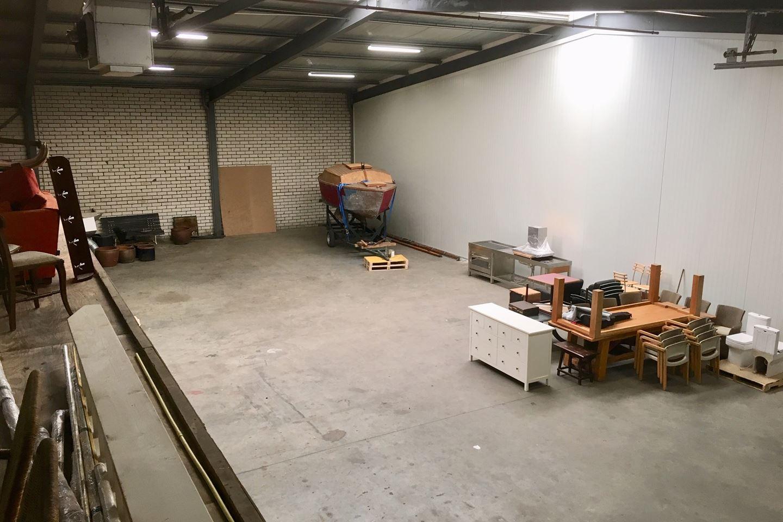 Bekijk foto 3 van Beneluxstraat 2