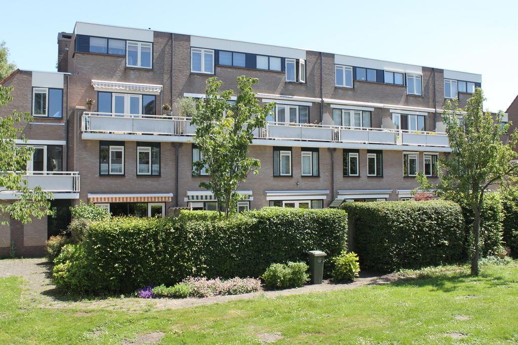 Bekijk foto 1 van Jo Sterckstraat 38