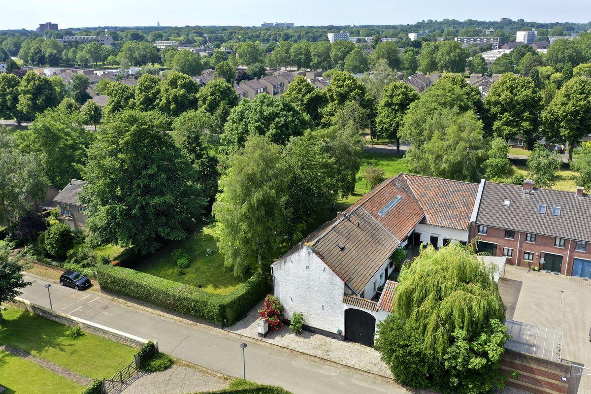 View photo 2 of van Akenweg 101