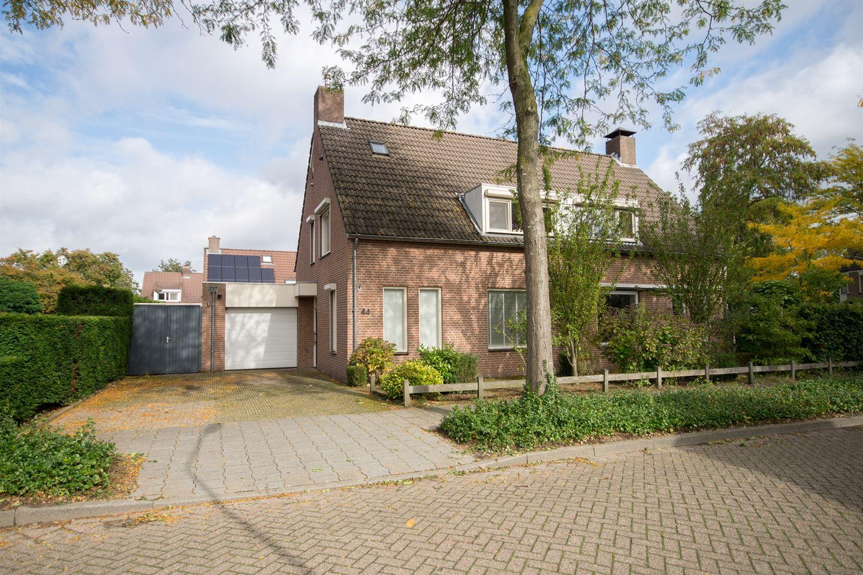 Bekijk foto 1 van Willem Bilderdijkdreef 44