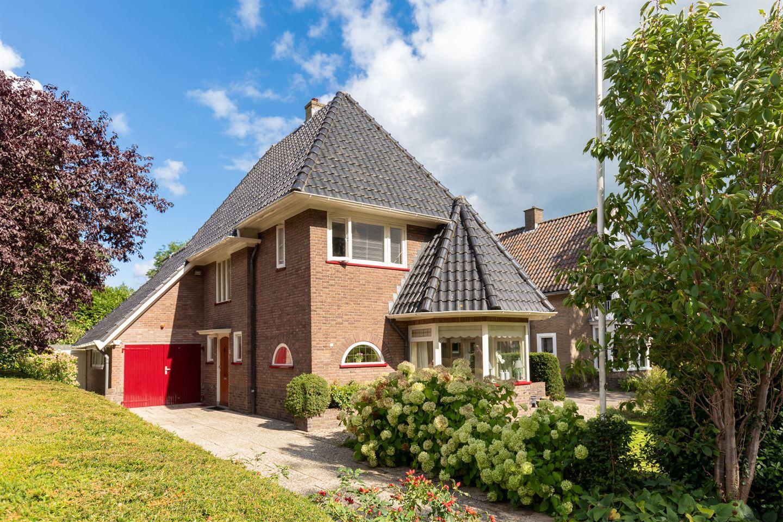 Bekijk foto 2 van Jan Hooglandstraat 11