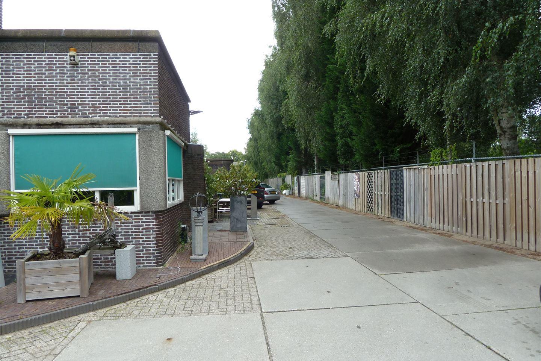 View photo 3 of Middenweg 395