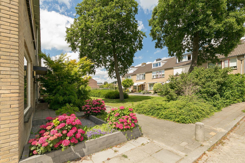 View photo 3 of Van der Lekstraat 75