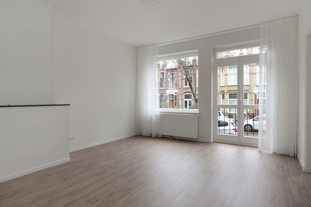 View photo 1 of Van Hoornbeekstraat 74