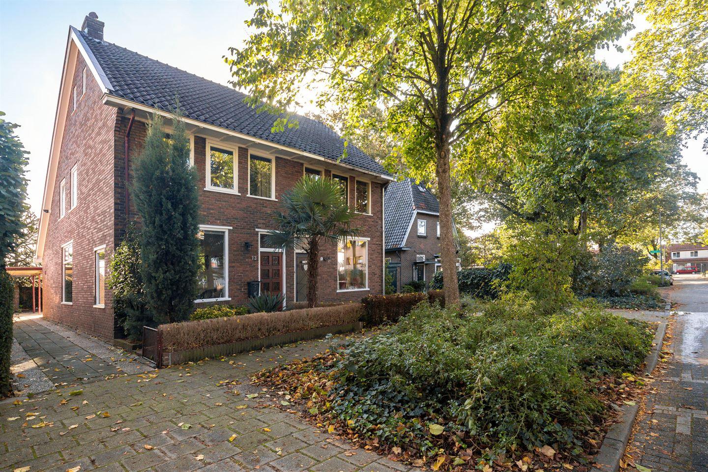 Bekijk foto 1 van Dr. Van Der Feltzlaan 13