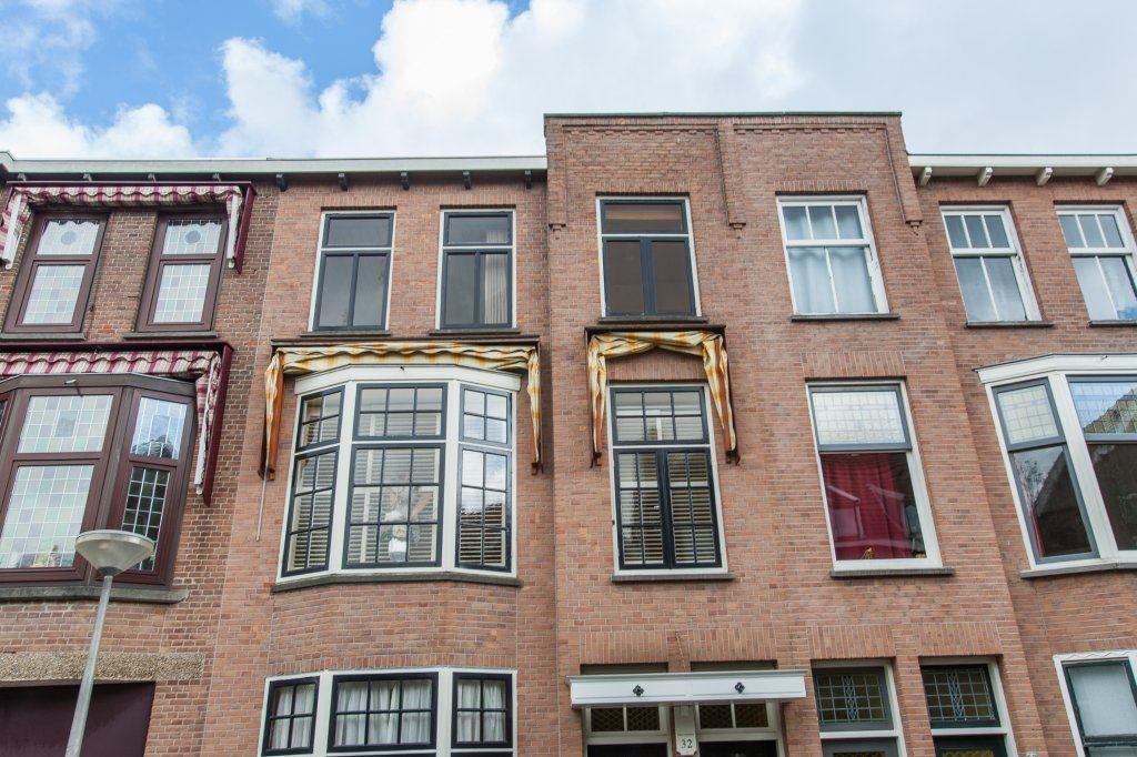 Bekijk foto 2 van Van de Spiegelstraat 32