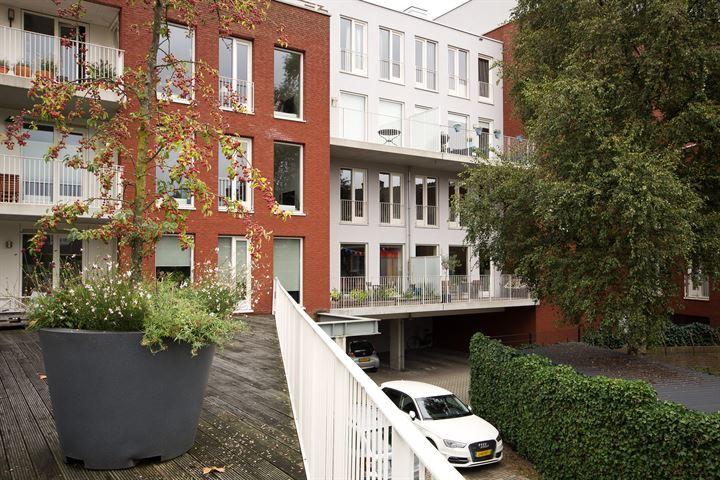 Van Koetsveldstraat 108