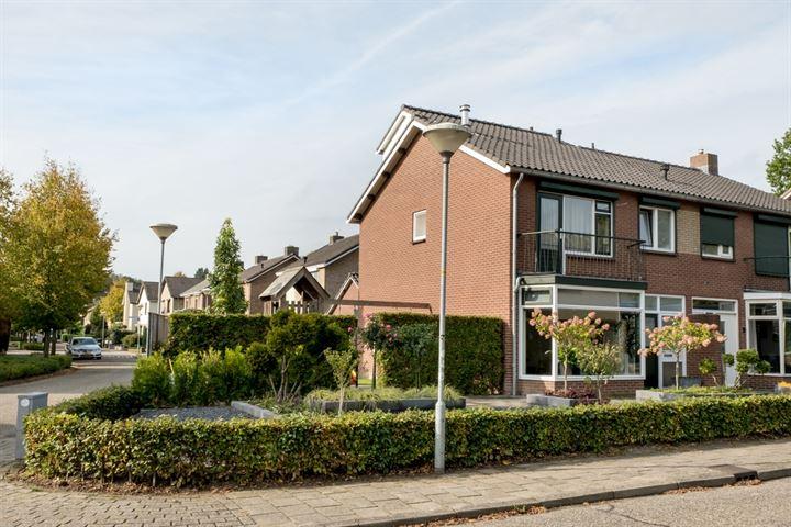 Dr.Hooglandstraat 8