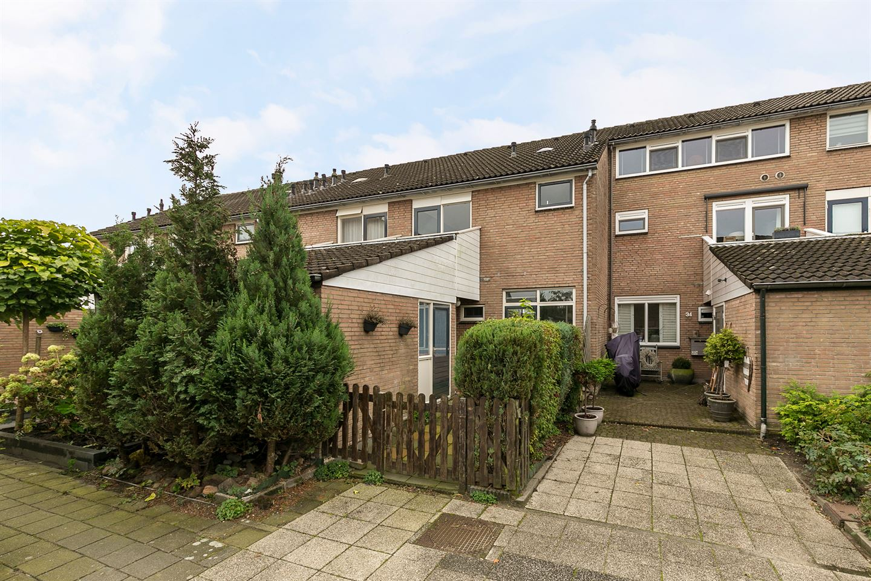 View photo 1 of Van der Burghstraat 32