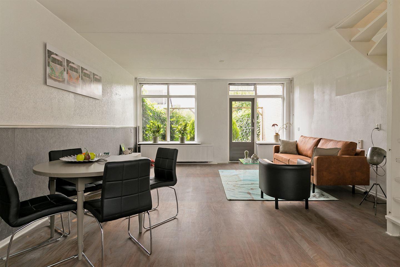View photo 3 of Van der Burghstraat 32