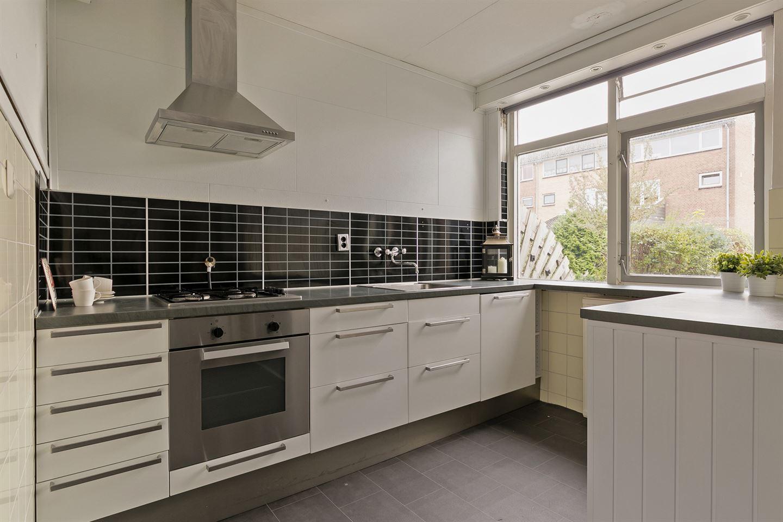 View photo 4 of Van der Burghstraat 32