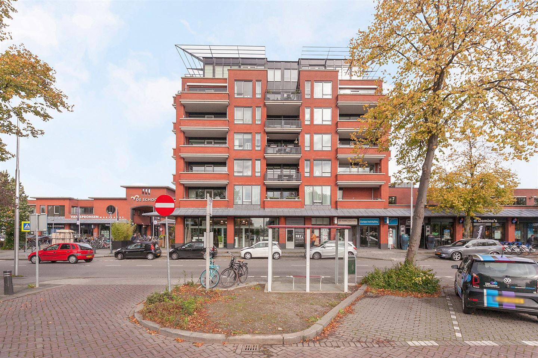 Bekijk foto 1 van Winkelcentrum De Schoof 200