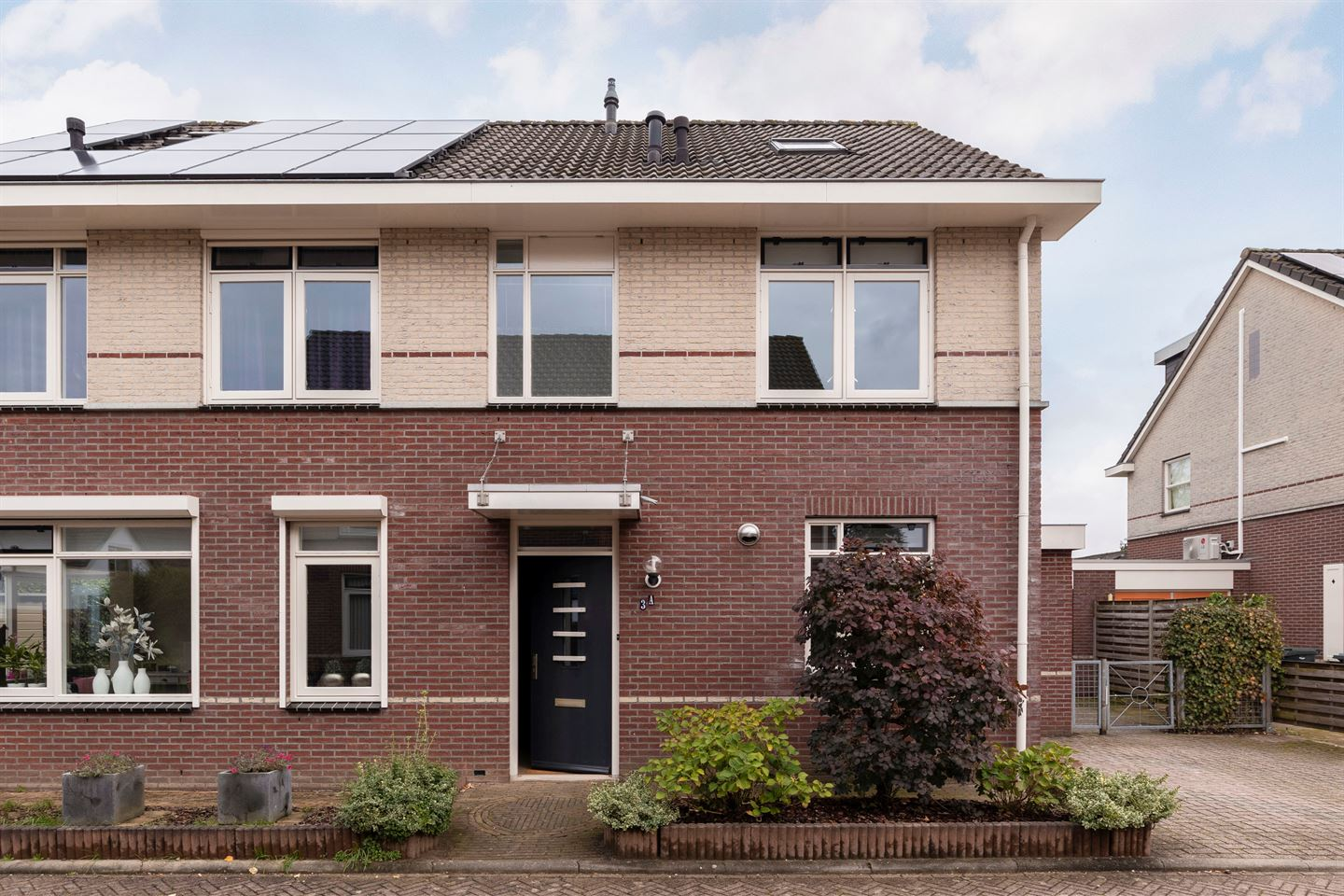 View photo 2 of Oranjestraat 3 A
